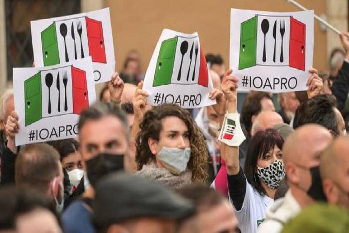 - ITALEXIT IN PIAZZA CON I RISTORATORI -